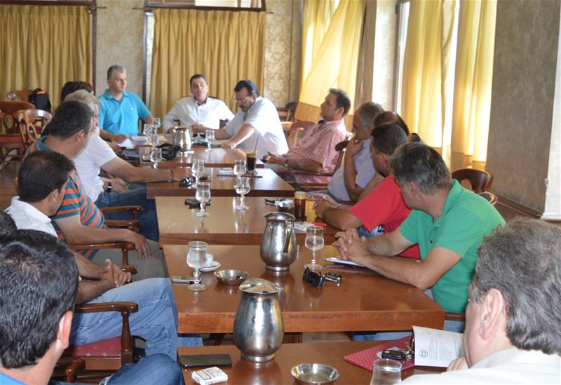 Ενημερωτική σύσκεψη, με πρωτοβουλία του αντιπεριφερειάρχη Ημαθίας κ.Κώστα Καλαϊτζίδη για τη λειτουργία των Κέντρων Συγκέντρωσης ροδάκινων και νεκταρινιών